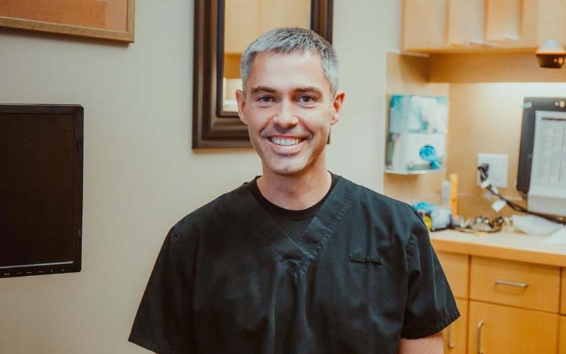 Dr. Robert Hynd